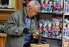 Met de hand gemaakte tafelzilverbejaarden Stock Foto's