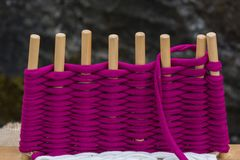 Met de hand gemaakte textielwever, textiel royalty-vrije stock afbeeldingen