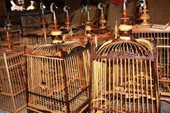 Met de hand gemaakte vogelkooi Stock Foto's