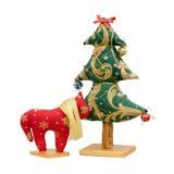 Met de hand gemaakte zachte stuk speelgoed geïsoleerde Nieuwjaarboom en rood h Royalty-vrije Stock Foto