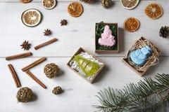Met de hand gemaakte zeep als gift Royalty-vrije Stock Afbeeldingen