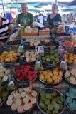 Met de hand gemaakte zeep in de markt Stock Foto