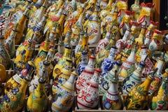Met de hand geschilderde de olijfolieflessen van Deruta Royalty-vrije Stock Foto