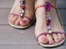 Met juwelen getooide sandals Stock Afbeelding
