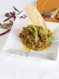 Met kerrie gekruide risotto van de lamsparelgort Stock Fotografie