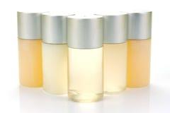 met le shampooing en bouteille Photographie stock libre de droits