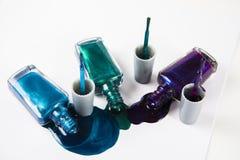 met le vernis à ongles coloré Photo stock