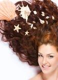 Met shells in lang haar Royalty-vrije Stock Foto's