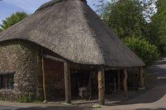 Met stro bedekt Dak, Cockington-Dorp, Devon, Engeland stock afbeeldingen