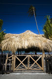 Met stro bedekt dak dat San juan del sur Nicaragua buiilding Stock Foto