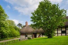 Met stro bedekt plattelandshuisje Royalty-vrije Stock Fotografie