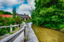 Met stro bedekt plattelandshuisje Engeland Royalty-vrije Stock Afbeelding