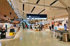 Met vrijstelling van rechten Winkelend in Sydney Airport, Australi? stock afbeelding