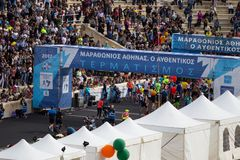 Meta da maratona de Atenas imagens de stock royalty free