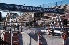Meta da raça 5K que termina em uma trilha Imagem de Stock Royalty Free