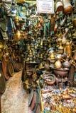 Metaal trinkets box in Souk, Oude Stad, Jeruzalem Stock Foto