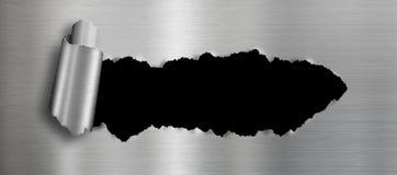 Metaalachtergrond met geïsoleerd zwart gescheurd gat Stock Afbeelding