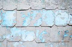 Metaalachtergrond met gehamerde metaalplaten met klinknagels op de metaaloppervlakte met schilverf Royalty-vrije Stock Fotografie