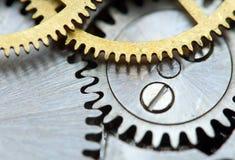 Metaalachtergrond met het uurwerk van metaaltandraderen Macro Royalty-vrije Stock Foto's