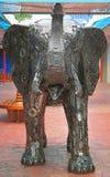 Metaalbeeldhouwwerk van olifant in Pattaya Stock Afbeeldingen