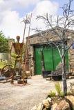 Metaalbeeldhouwwerken in het kleine dorp van Pott Shrigley, Cheshire, Engeland Stock Foto's