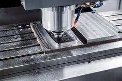 Metaalbewerkende CNC malenmachine Scherpe metaal moderne processin stock foto