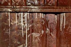 Metaaloppervlakten met multicolored verf worden geschilderd die Royalty-vrije Stock Foto