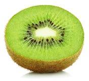 Metade do fruto de quivi isolada no branco Fotografia de Stock