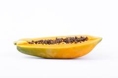 Metade do fruto maduro da papaia Fotos de Stock