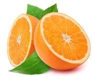 Metades da laranja com as folhas isoladas Imagens de Stock Royalty Free