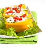 Metades da pimenta com salada Fotos de Stock
