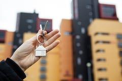Metafora dei servizi immobili in alloggi nuovi Fotografie Stock