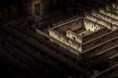 Metafora scura del labirinto fotografie stock