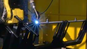 Metal железная заварка аргона лазера на промышленной машине CNC в фабрике акции видеоматериалы