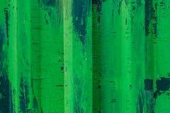 Metal загородка с зеленой и белой краской, предпосылкой, текстурой Стоковые Фотографии RF