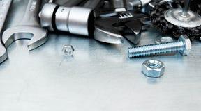 Metal инструменты и элементы отладки на поцарапанное Стоковое Фото