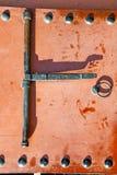 metal ржавое коричневое Марокко в красном доме фасада и Стоковые Изображения RF