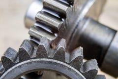 Metal шестерни предусматриванные с слоем масла в более большом изображении spare стоковая фотография