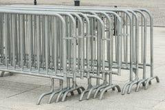 Metal bariery grupować w rozmieszczenie. obraz stock