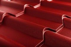Metal belägger med tegel Modernt taklägga material Diagonalen texturerar arkivfoto