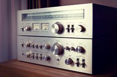 Metal brillante Front Panel Controls del amplificador estéreo del vintage Fotografía de archivo