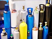 Metal butle dla ściśniętych gazów obraz stock