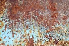 Metal com descascamento da cor azul da pintura velha coberta com a oxidação Fotos de Stock Royalty Free