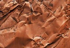 Metal crumped oxidado velho na cor vermelha fotografia de stock