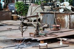 Metal-cutting maskin. royaltyfria foton