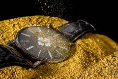 Metal de la foto del reloj de tiempo, reloj viejo Imagen de archivo libre de regalías