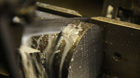 Metal del corte de la sierra almacen de video
