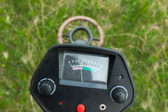 Metal detector in funzione Immagine Stock Libera da Diritti
