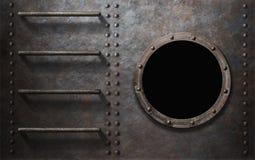 Metal el lado del submarino o de la nave con las escaleras y la porta imágenes de archivo libres de regalías