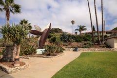 Metal a escultura de uma baleia chamada rompendo a baleia Fotografia de Stock